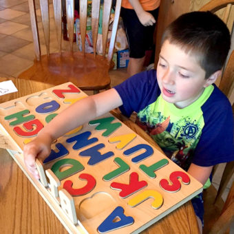 spelling-board-child2